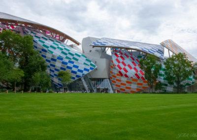 Fondation Louis Vuitton décors Daniel Buren